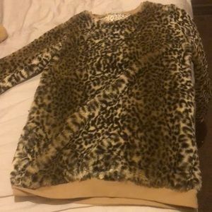 Furry Sweater with Cheetah print